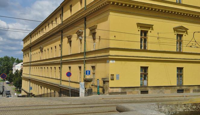V opuštěné budově Hanáckých kasáren budou sídlit úřady z celého města