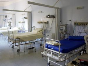 Některé nemocnice v Olomouckém kraji zakázaly návštěvy kvůli rostoucímu počtu akutních respiračních onemocnění