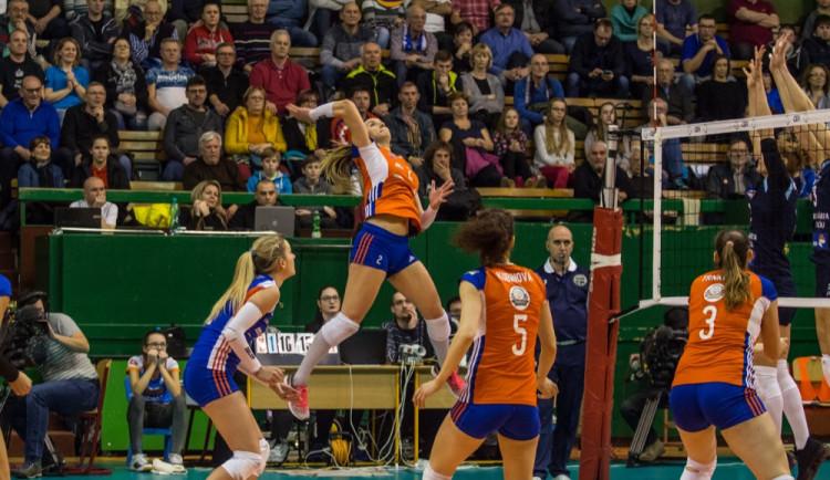 Volejbalistky Olomouce půjdou do play-off zprvního místa. Prostějov porazily 3:1