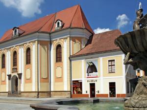 Vlastivědné muzeum v Olomouci vystavuje hanácké kroje