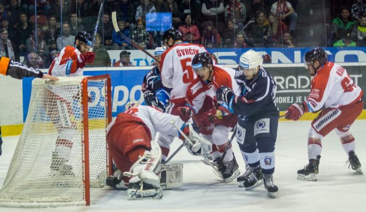 FOTOGALERIE: Indiáni vyhráli v Olomouci druhé utkání 3:2, Kohouti pojedou do Plzně za stavu série 2:2