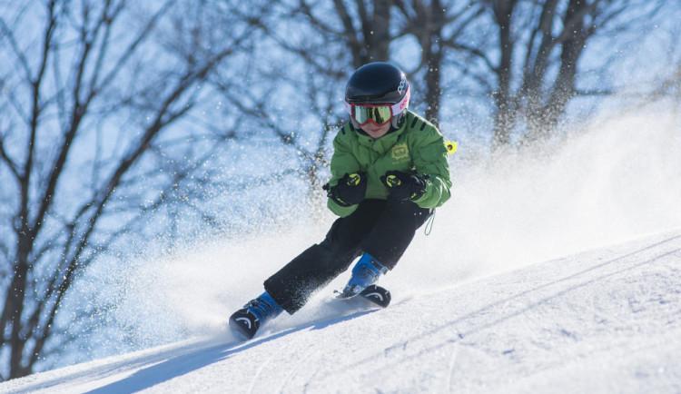 V Jeseníkách si návštěvníci užili předposlední lyžařský víkend. Poslední možnost k lyžování bude víkend následující