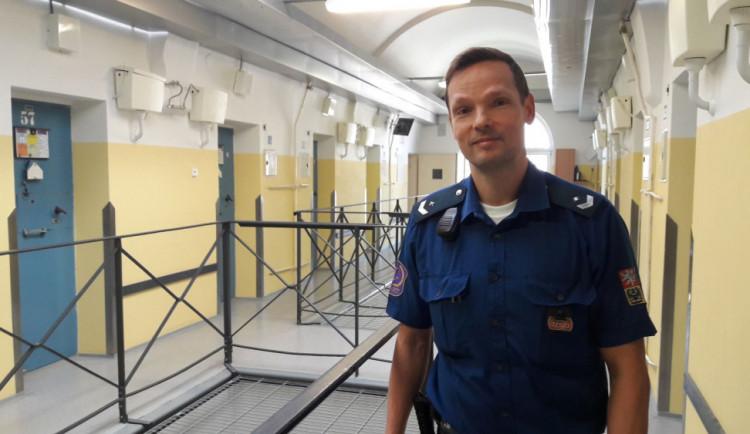 Den s dozorcem v olomoucké věznici: Olomouc je mezi českými věznicemi top