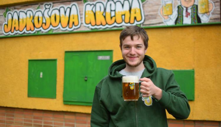 ROZHOVOR: Pivovar Jadrníček má třetí nejlepší pivo světa. Ochutnat ho můžete v Jadrošově Krčmě