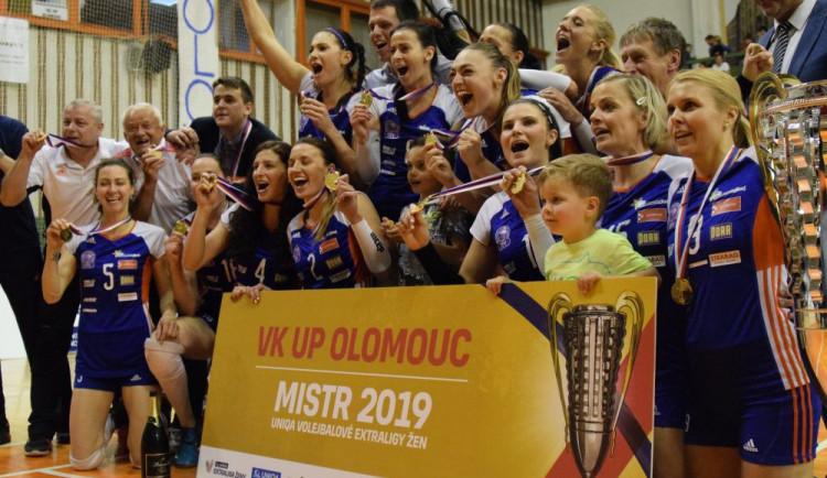 FOTOGALERIE/VIDEO: Volejbalistky Olomouce usedly po 23 letech na ligový trůn
