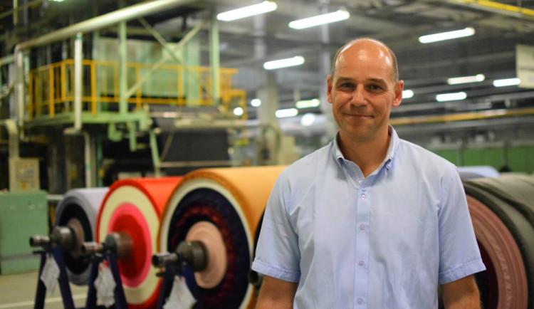 Vyrábějte tkaninu pro airbagy nebo horkovzdušné balóny. Toray nabízí volné pracovní pozice