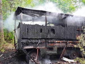 Hasiči likvidovali požár včelína u Bělkovic-Lašťan. Není to první případ