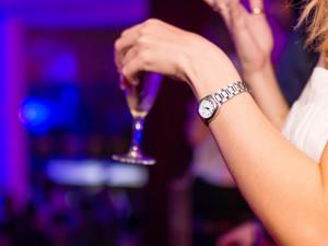 Opilá žena v baru nechtěla zaplatit útratu a dělala nepořádek. Nadýchala téměř tři promile a skončila na záchytce