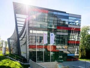 Olomouckým vědcům zajistí velmi čistý vzduch v chemické knihovně nová aparatura