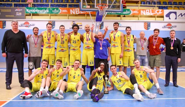 Basketbalisté Olomoucka oslavili historicky první medaili