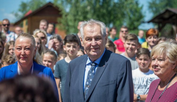 Podle Zemana by neměl Staněk končit v roli ministra kultury, odhalil prý korupci