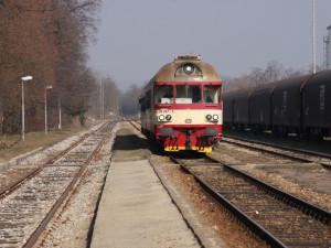 Mezi Šternberkem a Uničovem nebudou do prosince jezdit vlaky. Trať bude kvůli rekonstrukci uzavřena