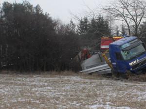Řidič kamionu nadýchal tři a půl promile a způsobil škodu za tři miliony korun. Stanul před soudem
