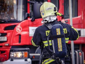 Krajští hasiči zaznamenali více zásahů než loni. Vyrážejí k požárům, následkům bouří i technickým závadám
