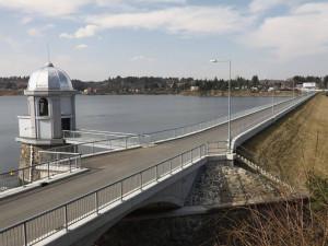 Nekoupejte se v Plumlovské přehradě, varují hygienici. Voda v ní je zdravotním rizikem