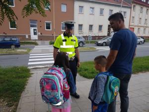 "Policie v tomto týdnu dohlédne na žáky u škol, probíhá akce ""Zebra se za Tebe nerozhlédne"""