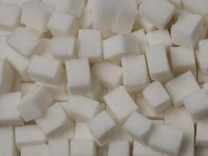 Zloděj ukradl 750 kilo cukru z hospodářské budovy. Způsobil škodu za jedenáct tisíc