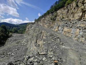 Slezské kamenolomy by měly zastavit provoz zařízení na povrchové úpravy kamene v Mikulovicích na Jesenicku