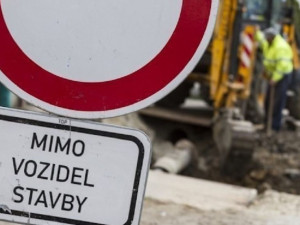 Začaly opravy Přerovské ulice v Olomouci. Omezení potrvá do konce října