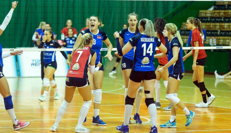 Olomoucké volejbalistky s novou posilou porazily Šternberk 3:0