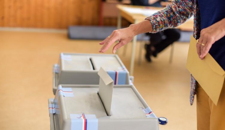 V nových volbách v Huzové budou o zastupitelská křesla opět usilovat lidé ze třech kandidátek