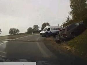 VIDEO: Opilý a zfetovaný cizinec ujížděl policistům na dálnici směrem na Olomouc