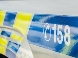 Opilý muž měl udeřit ostrahu v olomouckém supermarketu, pak nadával policistům