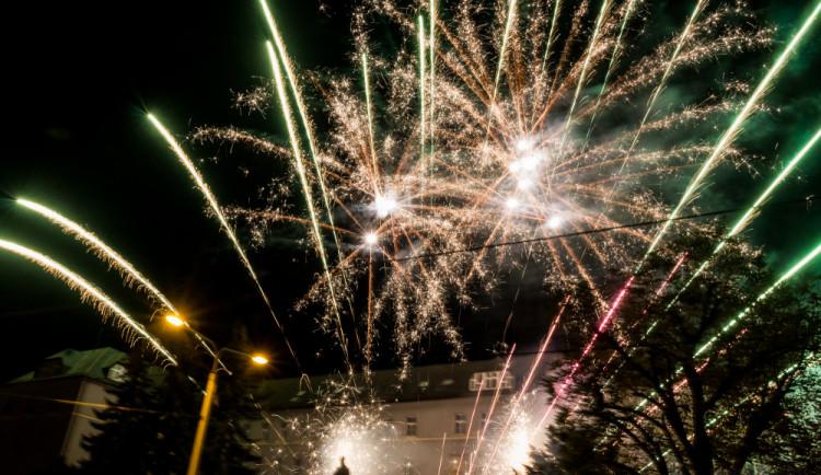 FOTO/VIDEO: Lampionový průvod, pietní akt i velkolepý ohňostroj. Olomoučané si připomněli výročí vzniku Československa