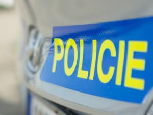 Policisté zastavili opilého mladíka. Navíc neměl řidičák