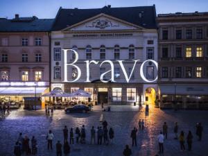 Moravská filharmonie Olomouc oblékánovýkabát. Získala nové logo a moderní vizuální styl