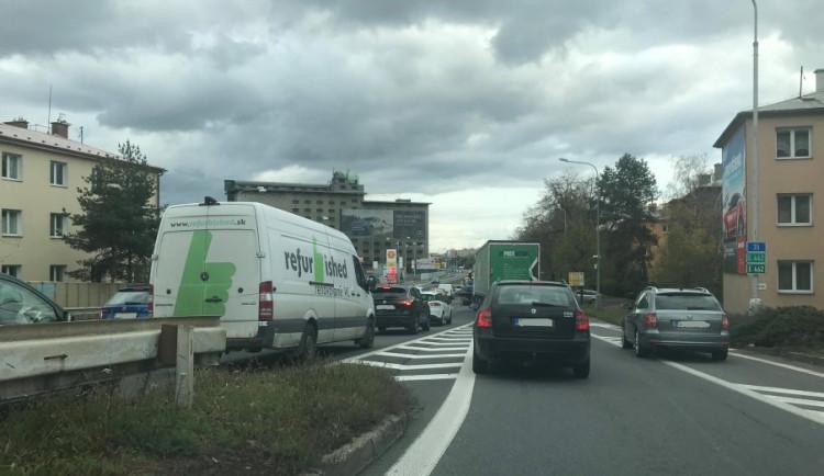 AKTUÁLNĚ: Co říkají řidiči na uzavírku Wolkerovyulice?Podívejte se do článku na komentáře