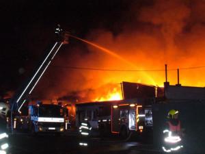 Soud rozhodl o obžalovaných v kauze požáru haly v Olomouci. Zprošťující rozsudek je pravomocný