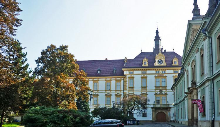 Za boj proti totalitě byli v Olomouci oceněni Schwarzenberg, Vášáryová nebo Kocáb