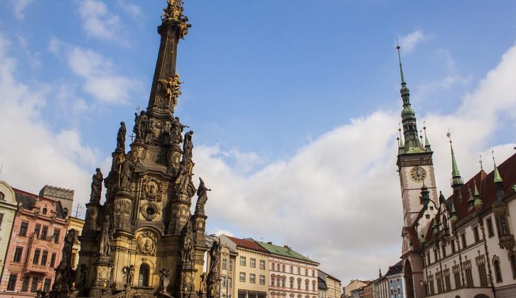 """""""Trojice"""" oslaví příští rok 20 let od zapsaní na seznam UNESCO. Město chystá letáky a brožuru za třičtvrtě milionu"""
