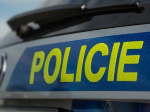 Olomoučtí policisté vyšetřují tři případy vloupání do aut. Kradlo se na Lazcích i na Jeremenkově ulici