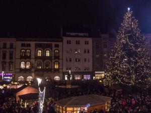 Vánoční trhy se rozrůstají i na tržnici. Novým lákadlem bude obří olomoucké kolo