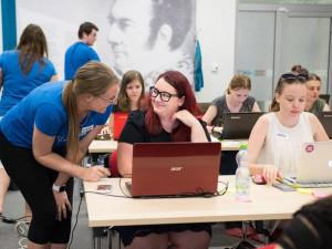 Znáte Czechitas? Přečtěte si příběh největší organizace vzdělávající ženy a děti v IT technologiích