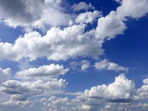 POČASÍ NA ČTVRTEK: Dnes bude polojasno, teploty nepřekročí deset stupňů Celsia