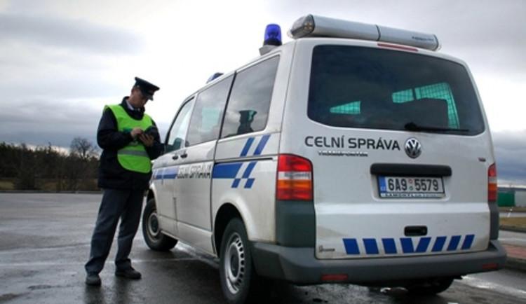 Celníci na Olomoucku zajistili líh bez prokazatelného původu