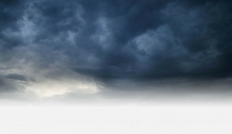 POČASÍ NA SOBOTU: Bude oblačno, ojediněle srážky