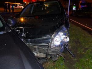 Řidič nedal přednost a zavinil nehodu, při které byla poškozena hned čtyři vozidla