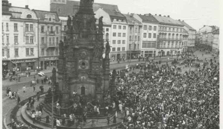 FOTO: Podívejte se na olomoucký listopad 1989 očima přímých svědků