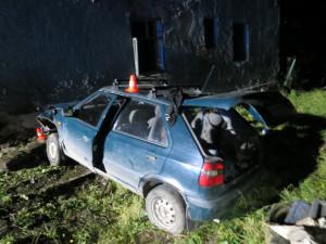 Opilý cizinec nezvládl řízení a havaroval. Nadýchal tři a půl promile a skončil v nemocnici