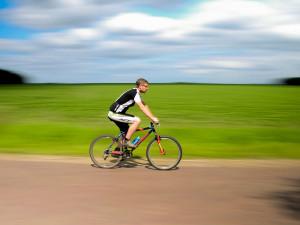 Nová cyklostezka umožní bezpečný přejezd vytížené silnice v Olomouci-Hodolanech