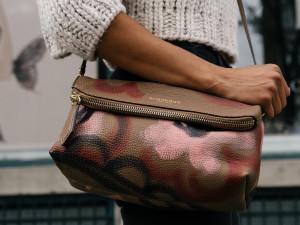 Seniorka zapomněla v obchodě kabelku. Když se pro ni vrátila, byla pryč