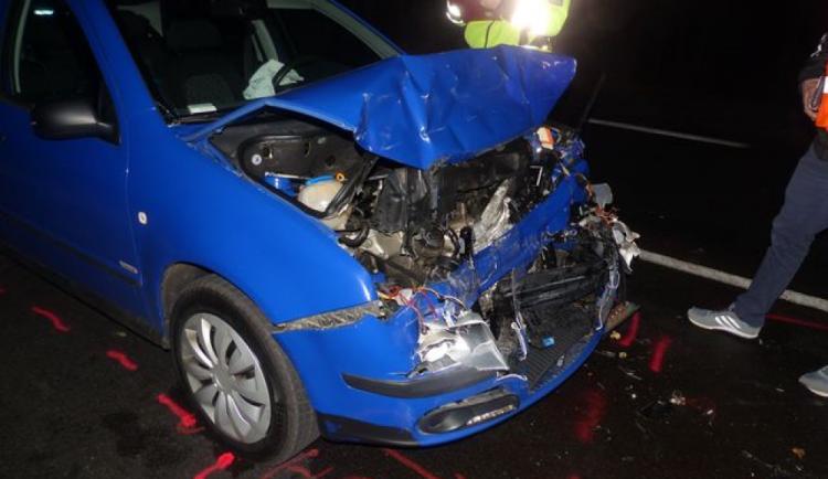 Řidič ujel od dopravní nehody, kterou měl způsobit. Pátrá po něm policie