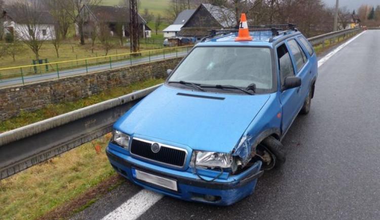 Dvaadvacetiletý cizinec způsobil nehodu. Měl přes tři promile a zákaz řízení