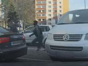VIDEO: Největší zátah proti dealerům drog v historii Olomouckého kraje. Neunikly ani velké ryby