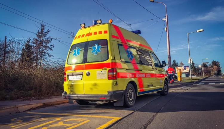 Ranní nehoda zastavila provoz v Šumperku, nyní je řízen kyvadlově