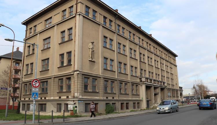 Nevyužívaný armádní dům v Přerově se přestaví na byty